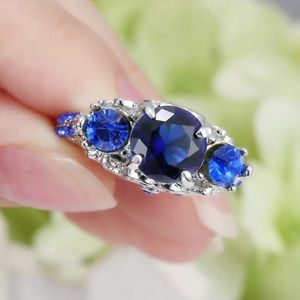 Stunning engagement ring size 6.5